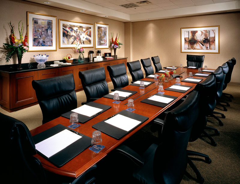 llw_hampton-inn-boardroom