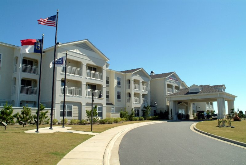 front-of-hampton-inn-suites