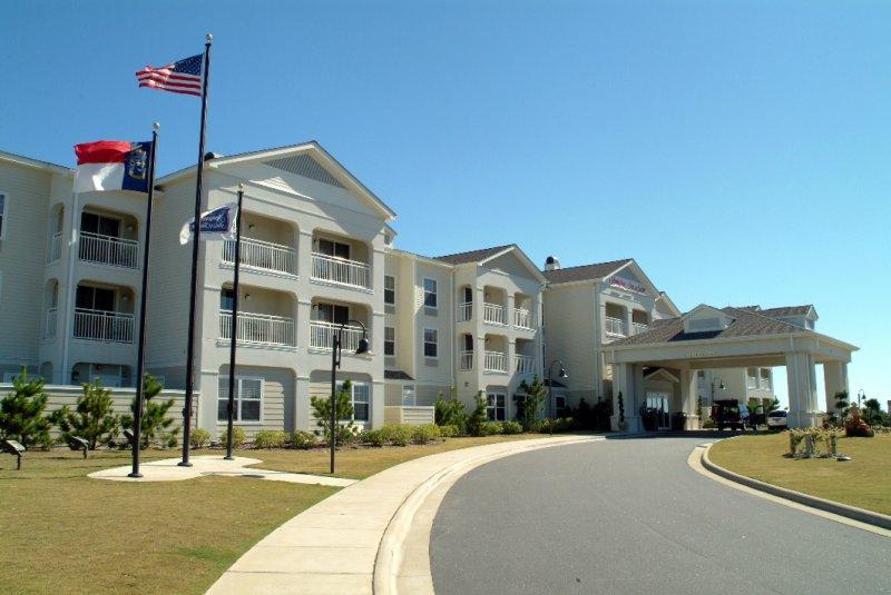 front-of-hampton-inn-suites