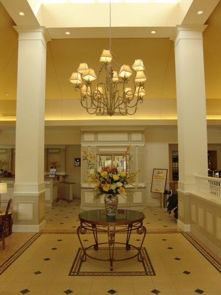 2102-lobby-center