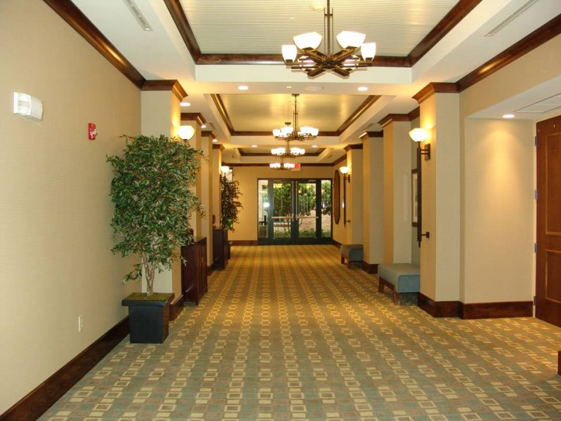 hws-daphne-al-2105-corridor